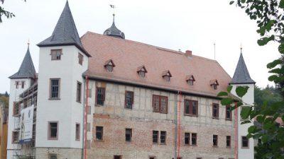 Außenansicht barockes Schloß Wolfersdorf