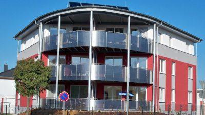 Moderns Eckhaus mit Eigentumswohnungen
